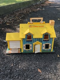 Fisher Price Play Family House  Sterling, 20164
