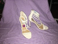 white and pink leather open toe ankle strap heels Elkhart, 46516