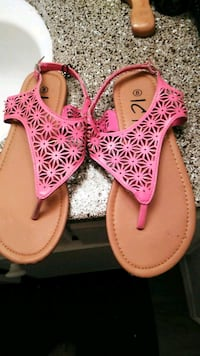 pair of pink leather thong sandals Houston, 77060