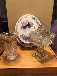 Beautiful Vintage Antique Glass Vase & Candy Dish trimmed in Gold Gainesville, 20155