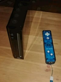 Black Nintendo Wii with 100 games 43 km