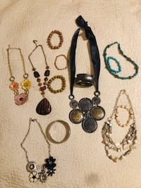 Assortment of Fashion Jewelry New Orleans, 70124