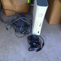white Xbox 360 with controller Baton Rouge, 70816