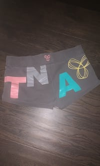 Sz-Medium TNA shorts