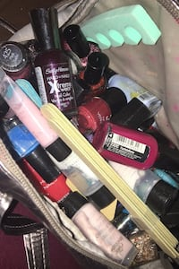 Nail polish Middlesex Centre, N6H 0H6