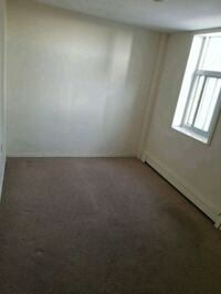 ROOM For Rent 1BR 1BA London, N6B 1S7