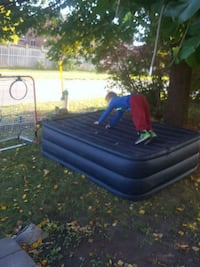 blue and black inflatable air mattress  664 km