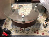 round clear glass-top coffee table 2383 mi