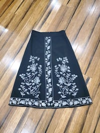 Black midi skirt with gorgeous embroidery size 4