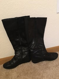 Black boots 8.5w East Troy, 53120