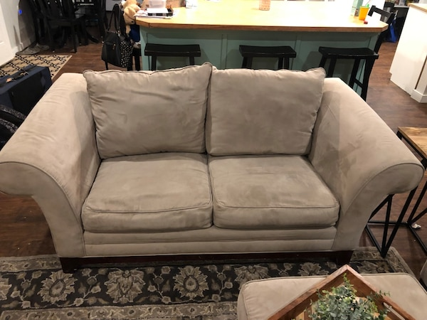 Couch and Love Seat and ottoman 7b5be9d2-29b6-4942-a77d-065a4f9907fb