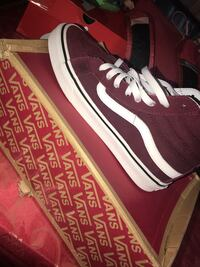 unpaired red and white Vans high-top sneaker with box Providence, 02907