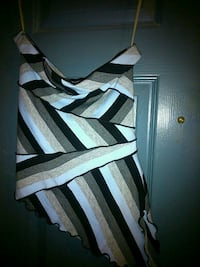 Strapless shirt size small London, N5W 2Y8
