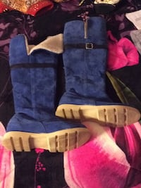 Suede over the knee fully fleece lines boots.  ****(size 9 1/2)**** Tobyhanna, 18466
