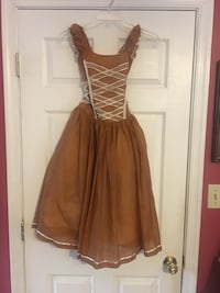Girl brown color ( gold color) size 5 T long dress Jessup, 20794