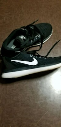 black-and-white Nike running shoes West Hartford, 06117