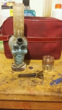 Skull Bong & Gem Grinder For Sale  Winnipeg, R2W 1V4