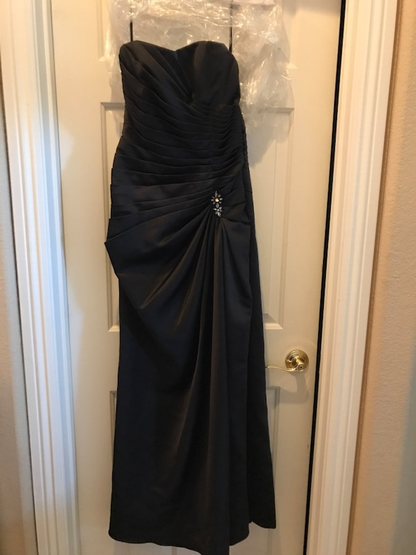 Used Black evening gown for sale in Las Vegas - letgo