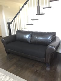 Black leather couch sofa Heavy Solid Wood  Aldie, 20105