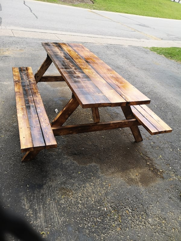 Picnic tables 6