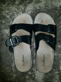 Sandles with buckle