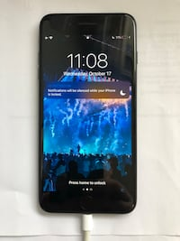 Black IPhone 7+ 32 gb smartphone Mississauga, L4Y 1M5
