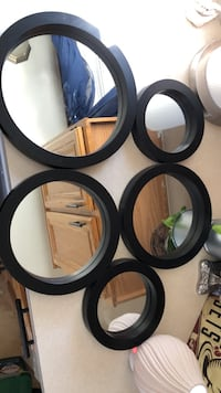 set of five  mirrors Chesterfield, 48051