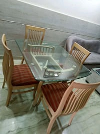 Glass top Dining table (4 chairs) Delhi, 110086