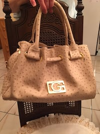 All brand new purses pick on and make an offer Toronto, M2J 3H3