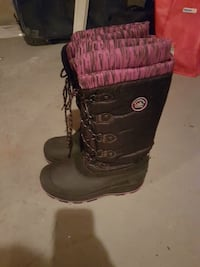 pair of black-and-pink lace-up wide-calf snow boots Regina, S4N 1S7