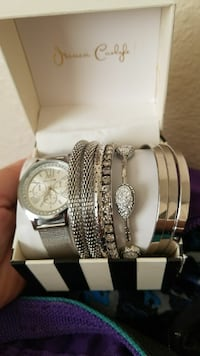 round silver-colored chronograph watch with link bracelet Merced, 95341