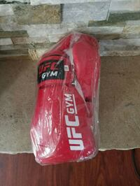 NEW UFC Boxing Gloves Size S/M Costa Mesa, 92627