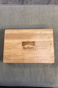 Marlboro poker chips with wooden case Frederick, 21704