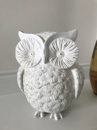 White Owl Accent Piece - 13 inches high - 11 inches wide - BRAND NEW  Brampton