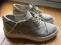 Women's shoes the wishbone collection size 7.5 Toronto, M4Y 3C1
