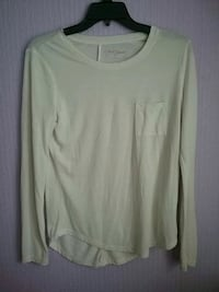 white scoop-neck long-sleeved shirt Morristown, 37813