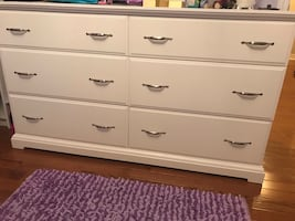 White chest of Drawer - amazing condition