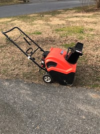 2 stage snowblower used twice Catonsville, 21228