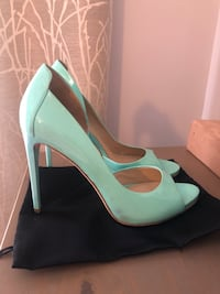 Shoes. Guess by Marciano Торонто, M8Y 2R4
