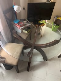 Glass table and 4 chairs dining room family Toronto, M6M 1B8