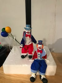 Porcelain clowns 2 with balloons.