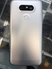 Used LG G5 with internal storage of 32 GB in silver colour Toronto, M9V 2X6