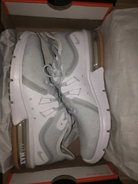 Nike Air Max Women's Gray/White/Gold Brand New Size 7 Waco, 76711