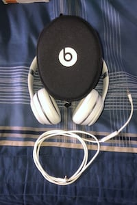 Beats Wireless Solo Headphones Hamilton, L0R 1C0