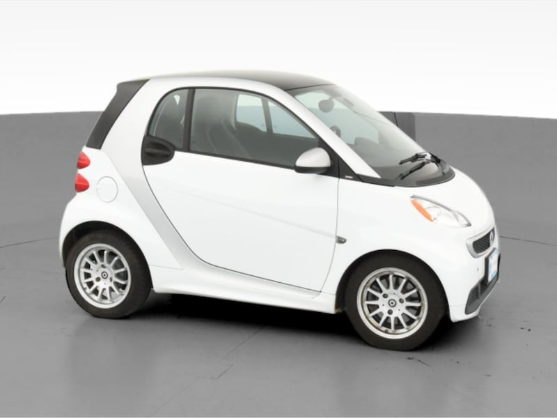 2013 smart fortwo coupe Pure Hatchback Coupe 2D White  13