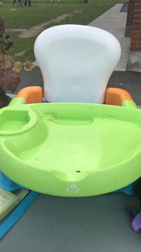 **PRICE DROP** Safety 1st portable booster chair Montréal, H1C 0B2