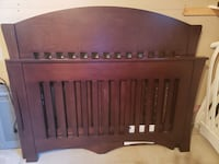 Crib that turns into double bed. Blainville, J7B 1K7