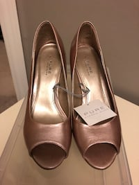 Alfred sung pink metallic pumps peep toe