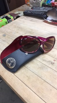 Ray-Ban sunglasses with case!  Frankfort, 46041