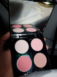 Make up palette by Quo